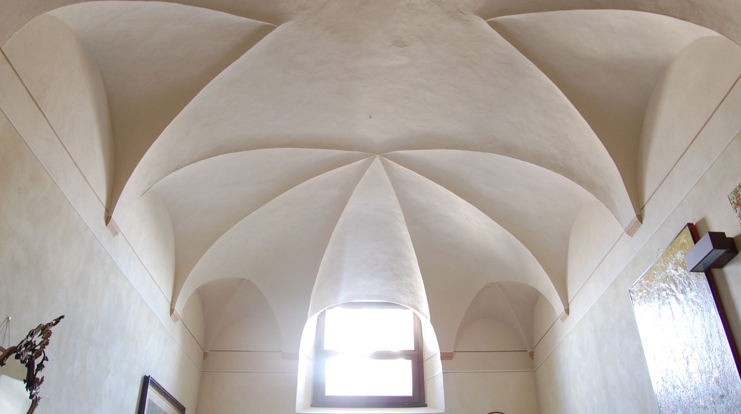 Monastero di Lambrugo II - ARCHITETTURA ed INTORNI