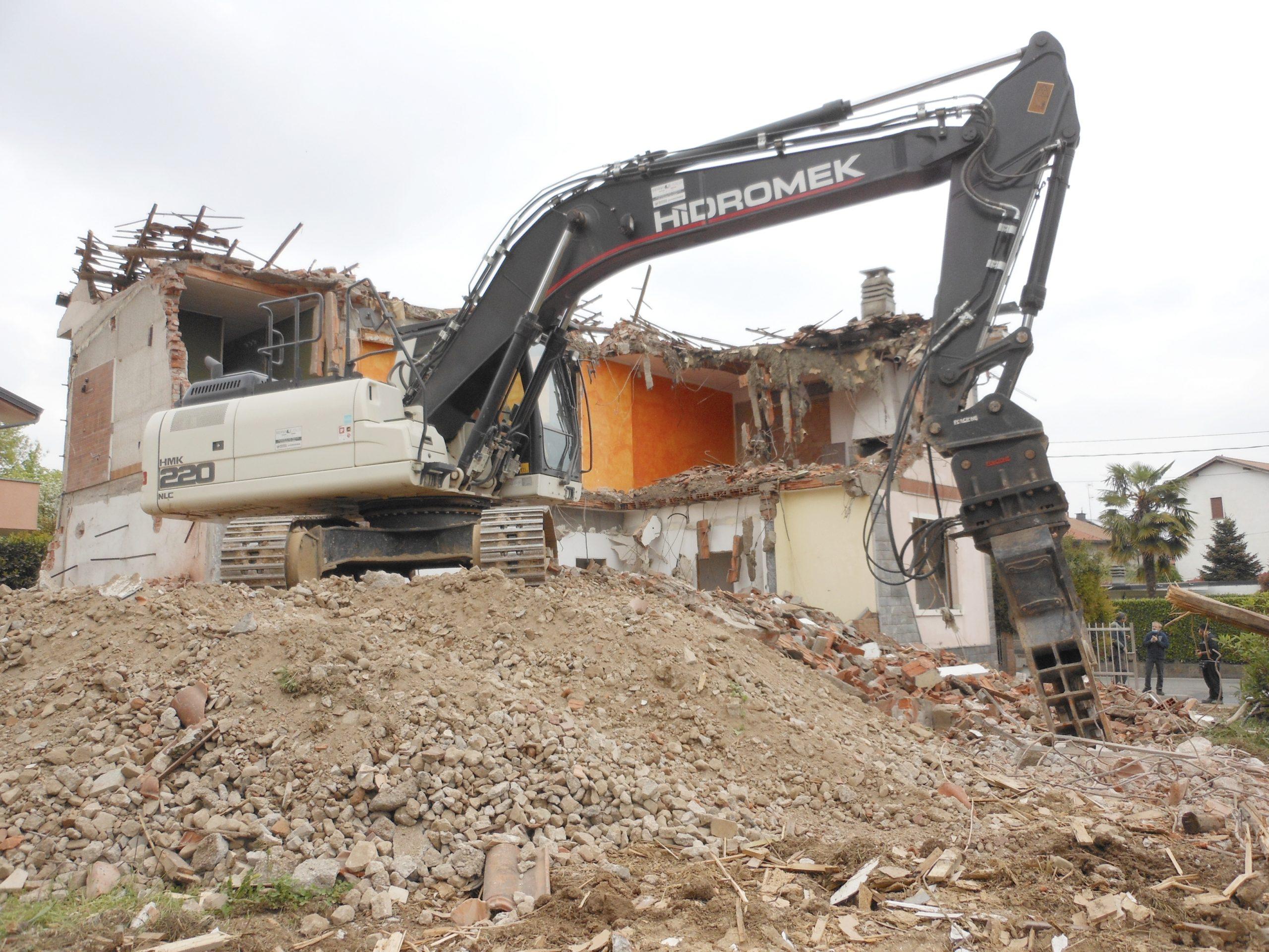 VB House - Demolizioni